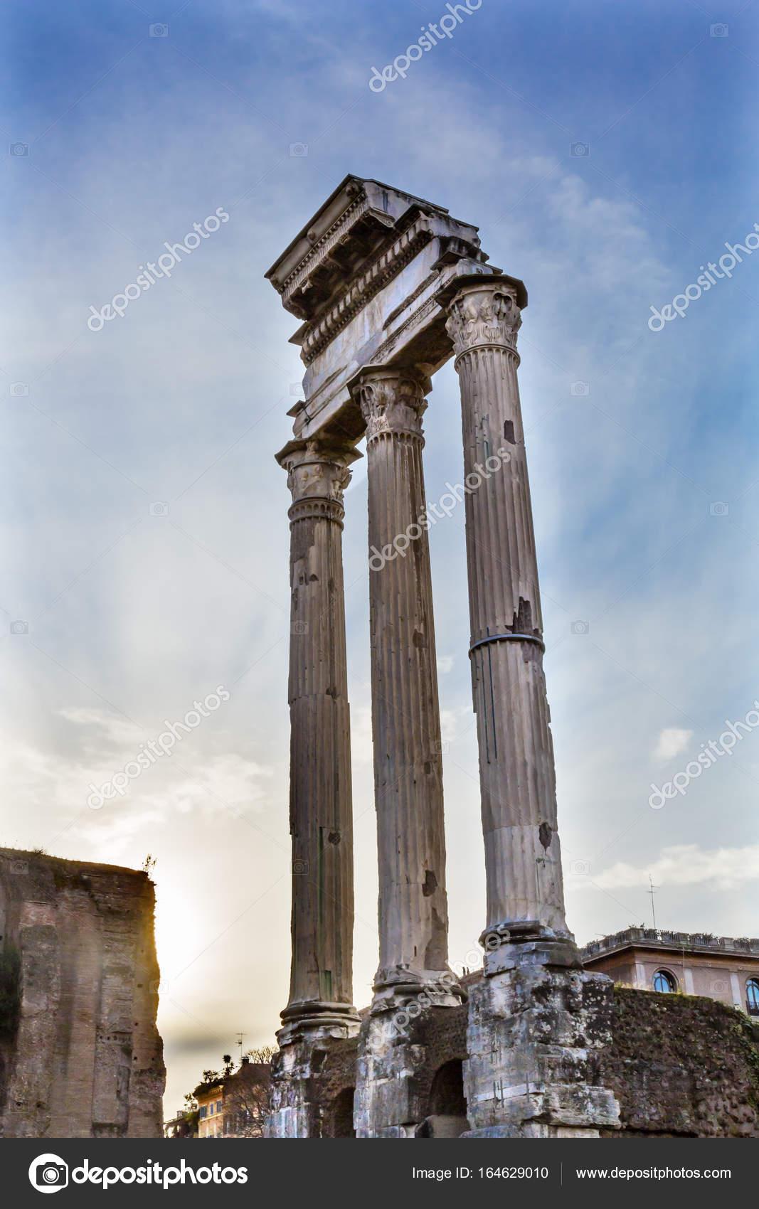 ウェスパシアヌス神殿コリント式...