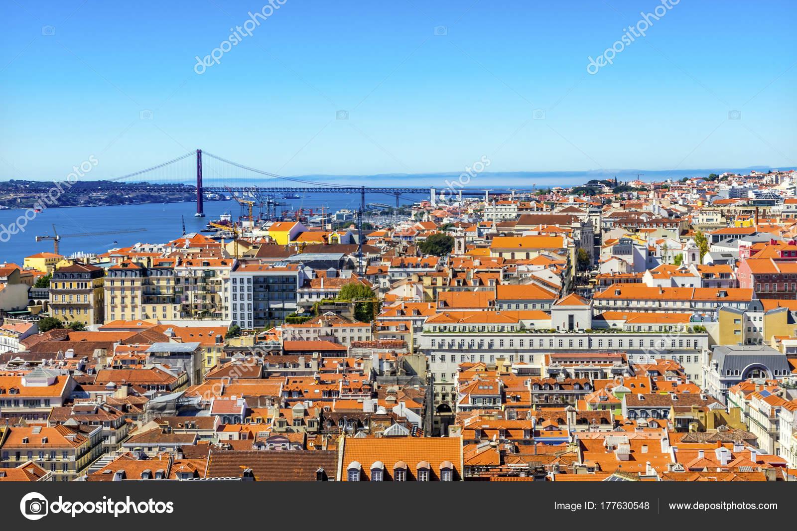 Lissabon Fluss tejo fluss brücke 25 april orange dächer lissabon portugal