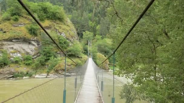 Visutý most přes řeku - Georgia
