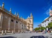 Plaza del Triunfo and Catedral de Sevilla