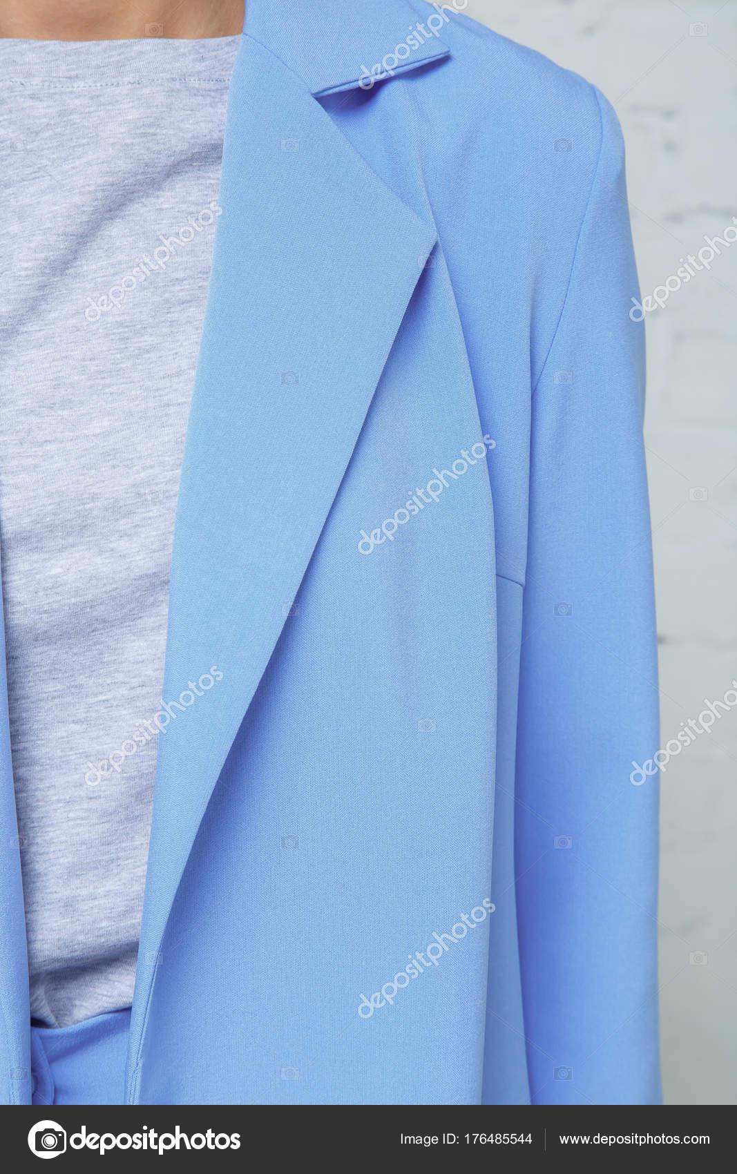 76d0a3ba6f35 Λεπτομέρειες για την γυναικεία ένδυση. Όμορφα casual γυναικεία μπουφάν  μόδας — Φωτογραφία Αρχείου