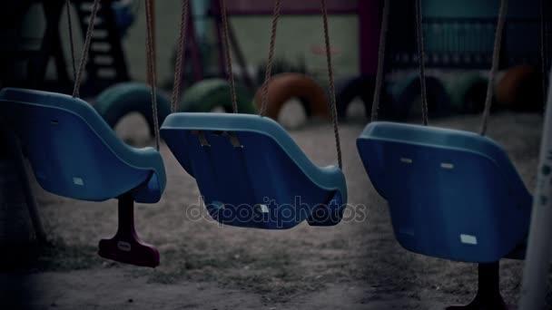 Schaukel auf Spielplatz