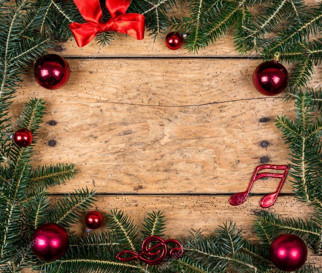 Weihnachten-Rahmen aus Tannenzweigen über Vintage Holz — Stockfoto ...