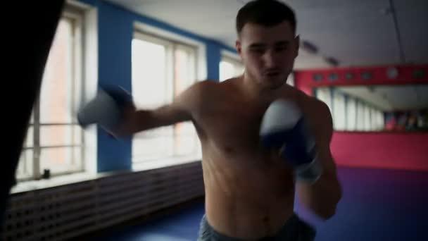 Фото боксеров голых мужчин проникновение волосатую