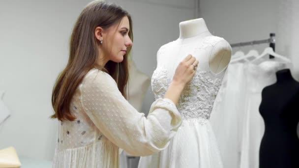 Porträt eines Mädchens ein Hochzeitskleid von exklusiven Auftrag ...