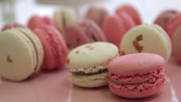 Candy bar svatba, růžová makronky. Dovolená pro děti.