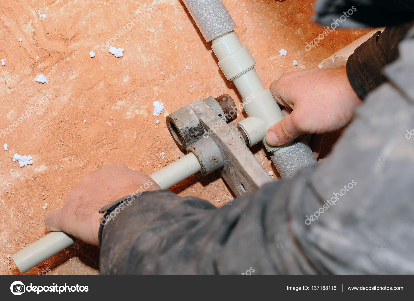 Collegare i tubi idraulici