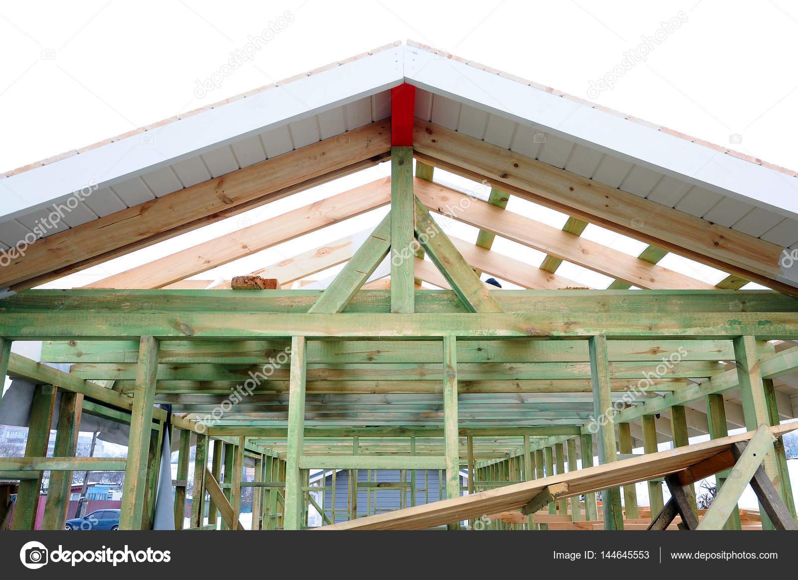 La estructura de madera del edificio Edificio de estructura de