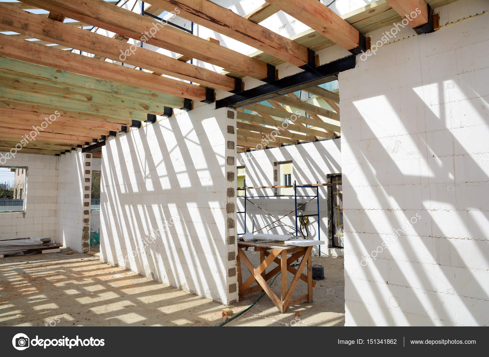 The wooden structure of the building wooden frame for Soportes para techos de madera