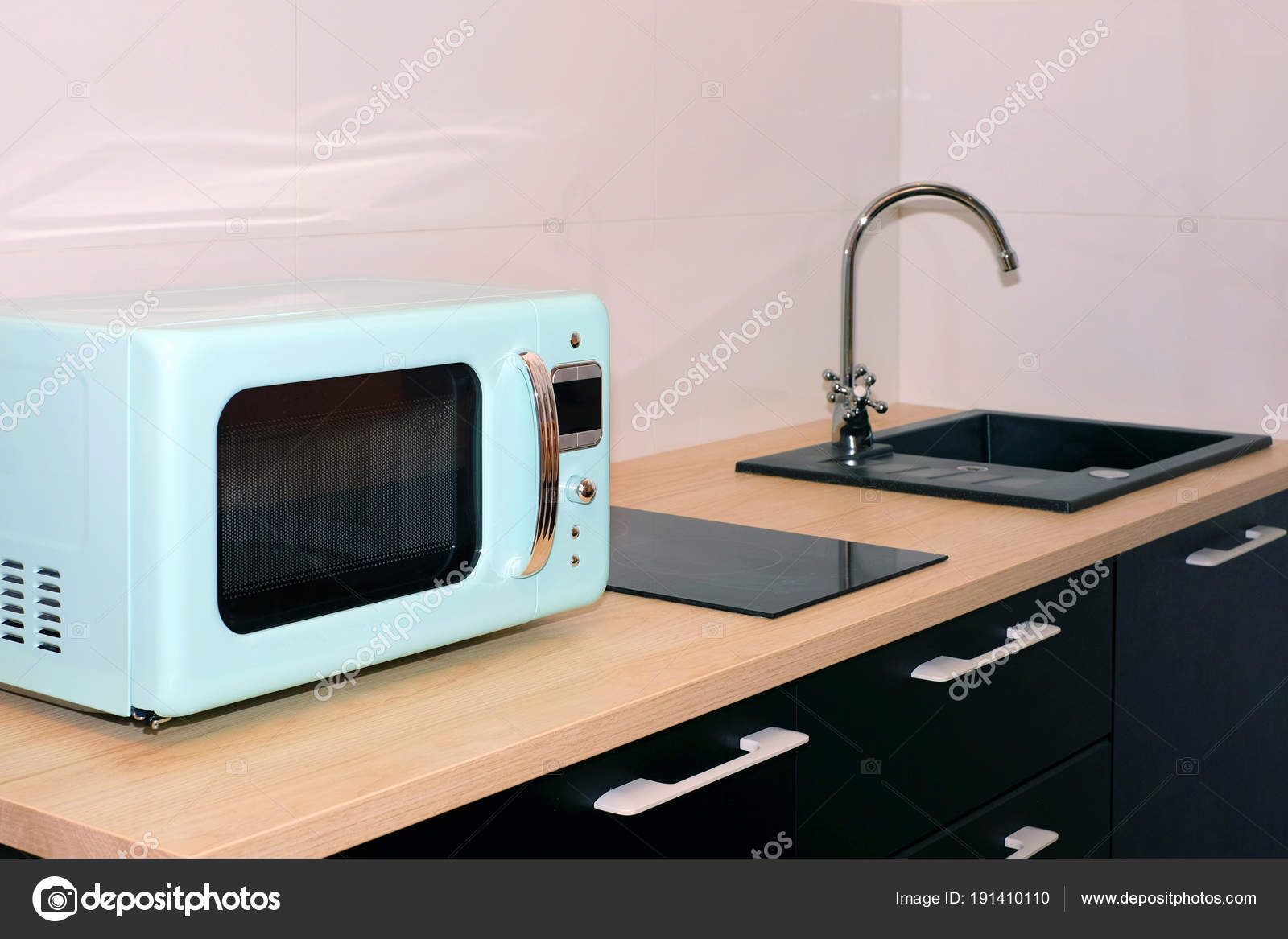 Kitchen Sink Water Tap Kitchen Modern Apartment Domestic Appliances  Microwave U2014 Stock Photo
