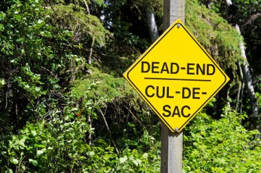 A yellow Dead End Cul-De-Sac warning sign