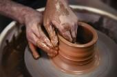 Egy nap az élet egy kerámia művész - a fazekasság a kerék.