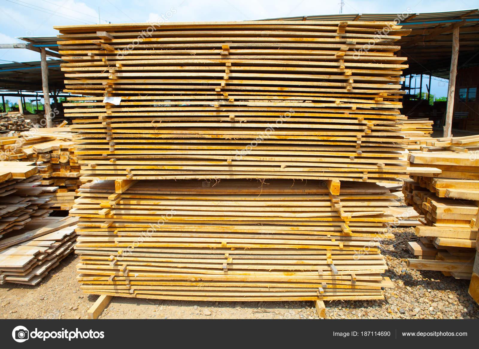 Stapel Von Teak Holz Bretter Im Holzlager Haufen Aus Holz