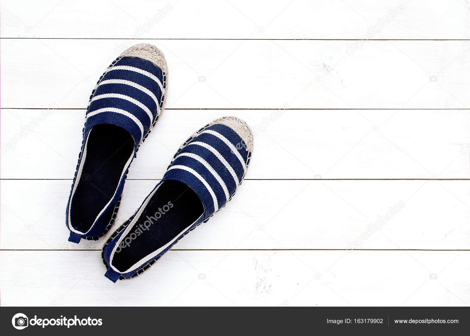 8180ca44dc Nyári női cipő kék espadrilles — Stock Fotó © Arkhipenko21 #163179902