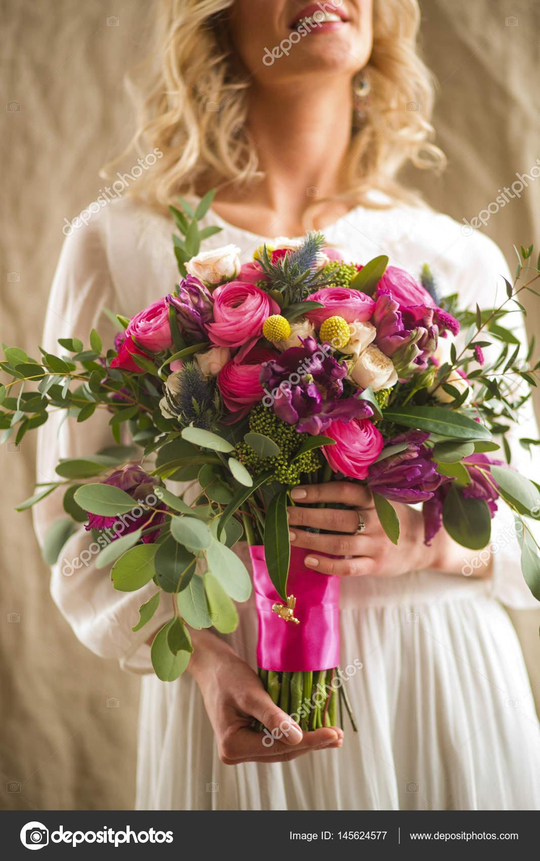 Arreglo Floral De La Cartera De Mujer Foto De Stock