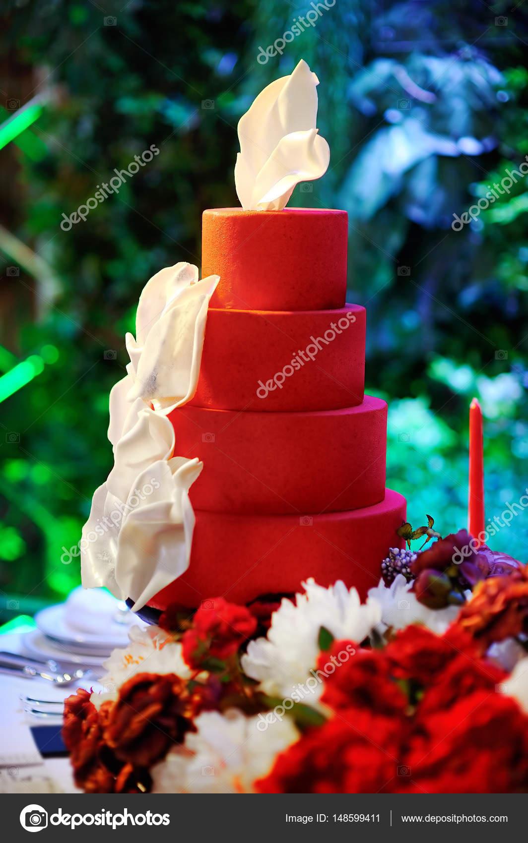 Gateau Multi Couches Anniversaire Mariage Traditionnel Sur