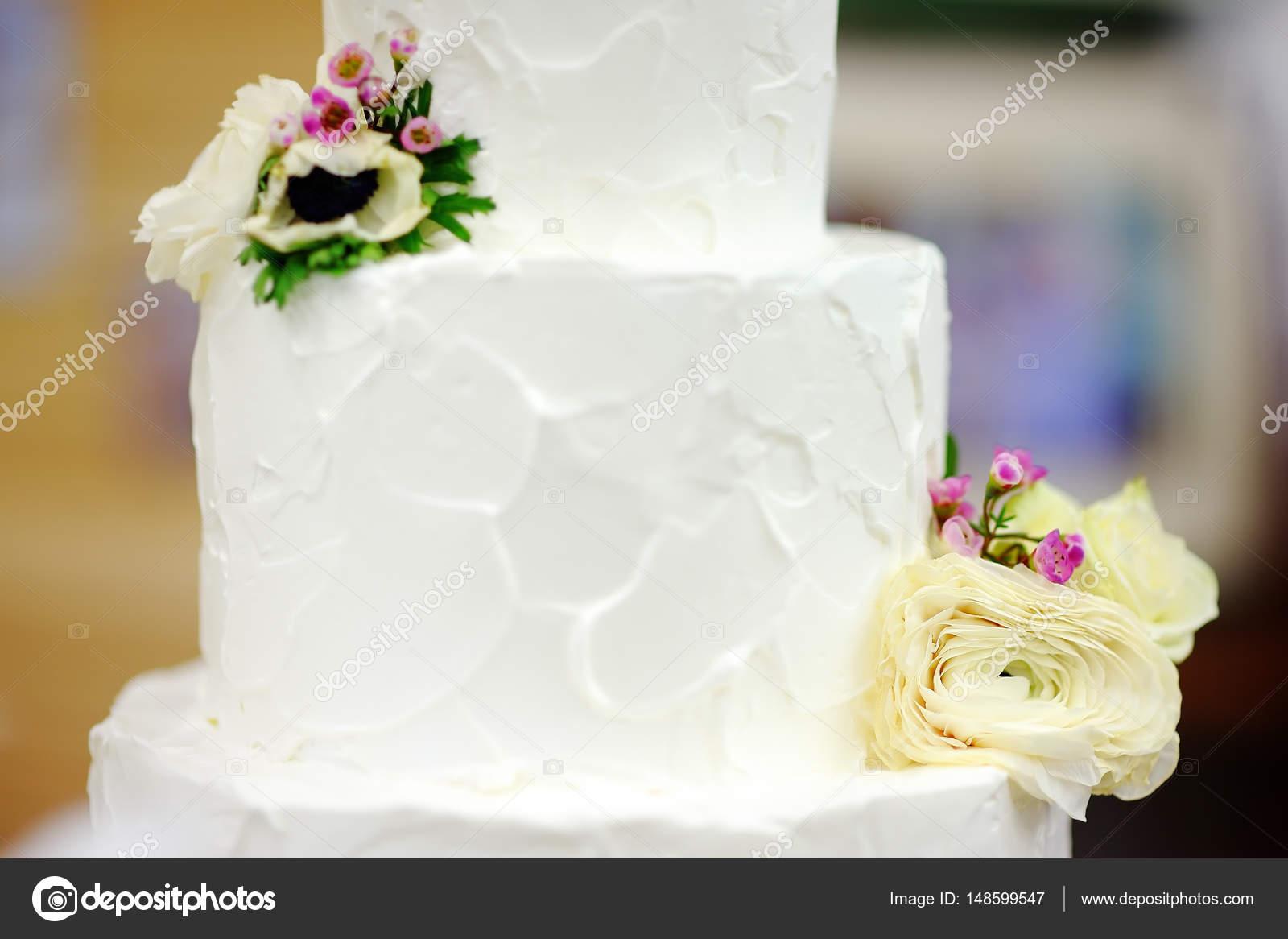 Gateau Multi Couches Anniversaire Mariage Traditionnel Avec