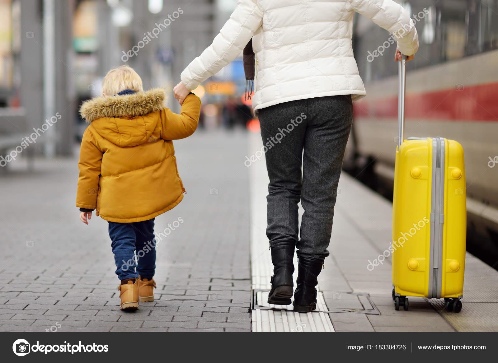 Reife Mutter auf Mutter und auf Großmutter