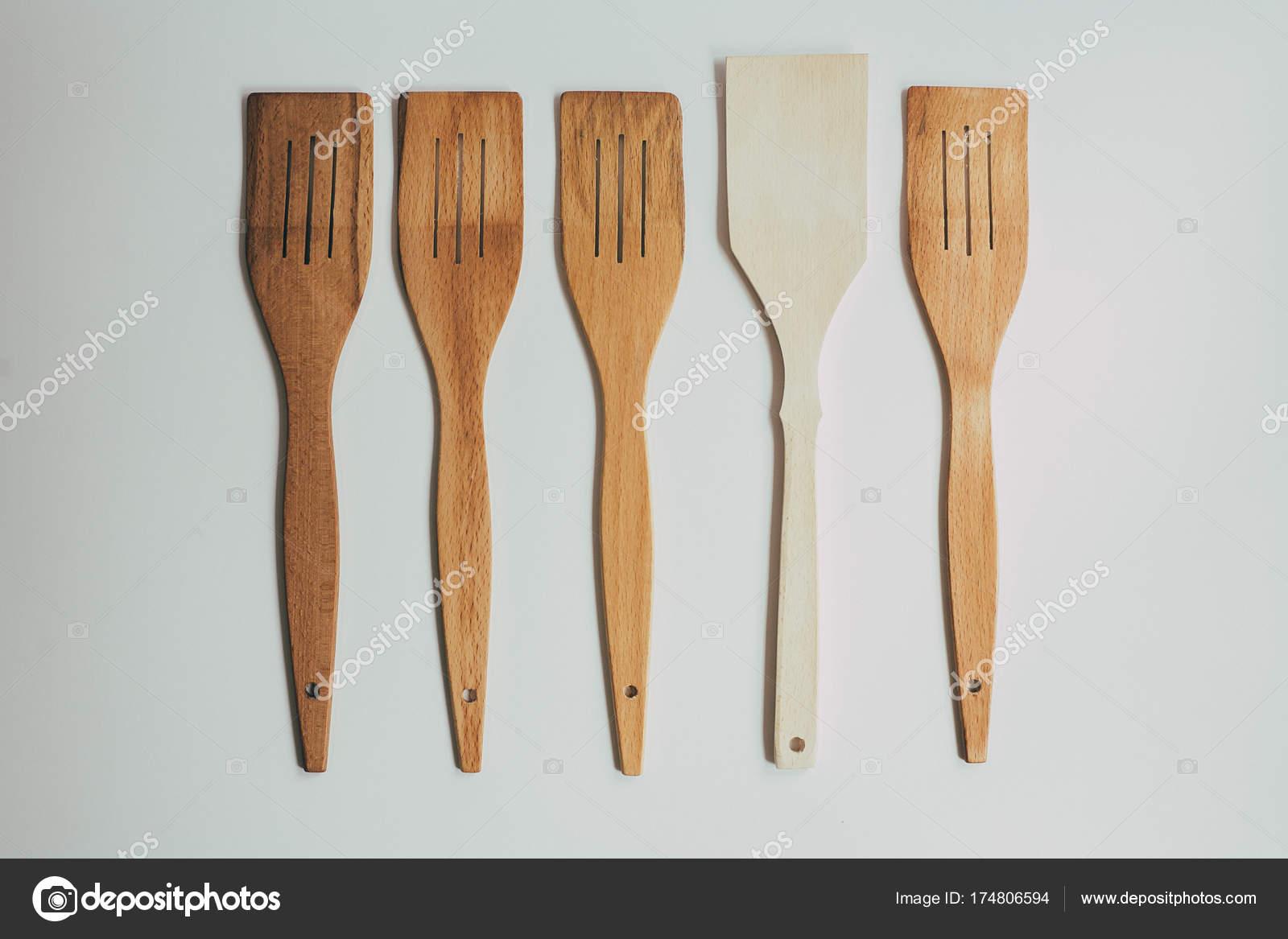 Rustikale Küche Dekoration mit hölzernen Besteck. Land Küche ...