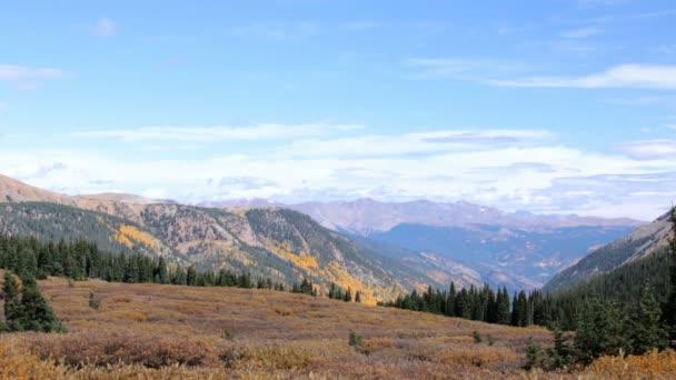 A légi felvétel a Sziklás-hegység