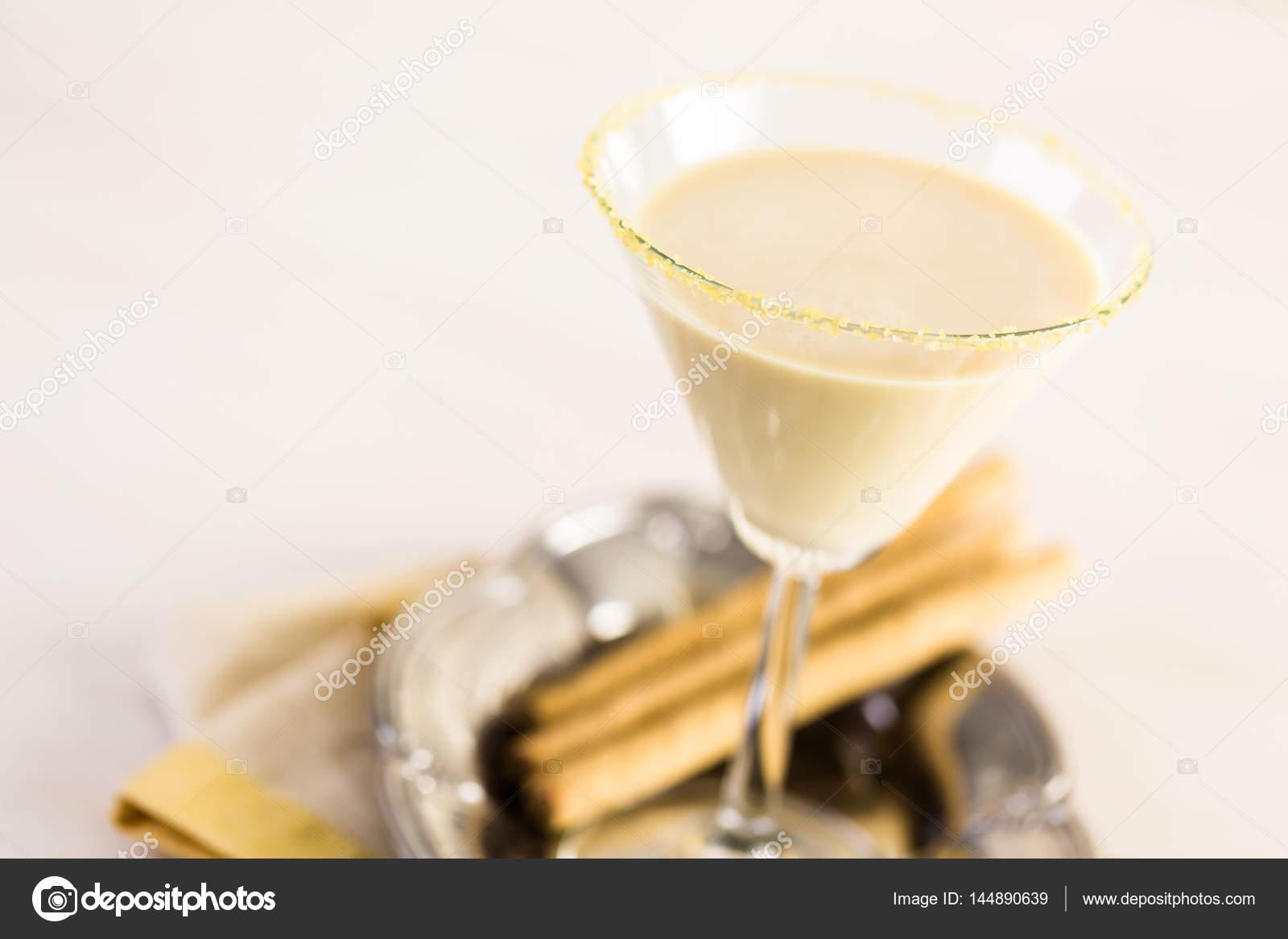 Süt Likörü