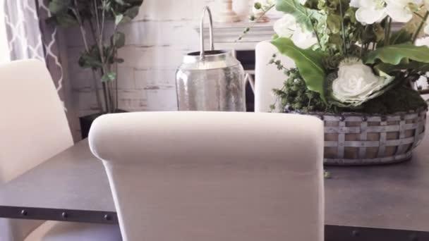 Tavolo pranzo moderno casa lusso u2014 video stock © urban light #195696986