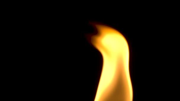 Plamen svíčky zavřít nahoru, pomalý pohyb
