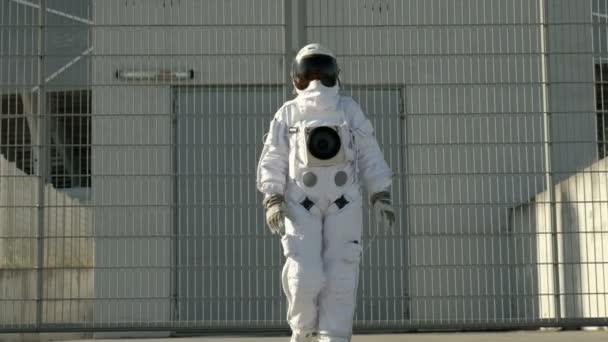 woman astronaut in diaper - 608×342
