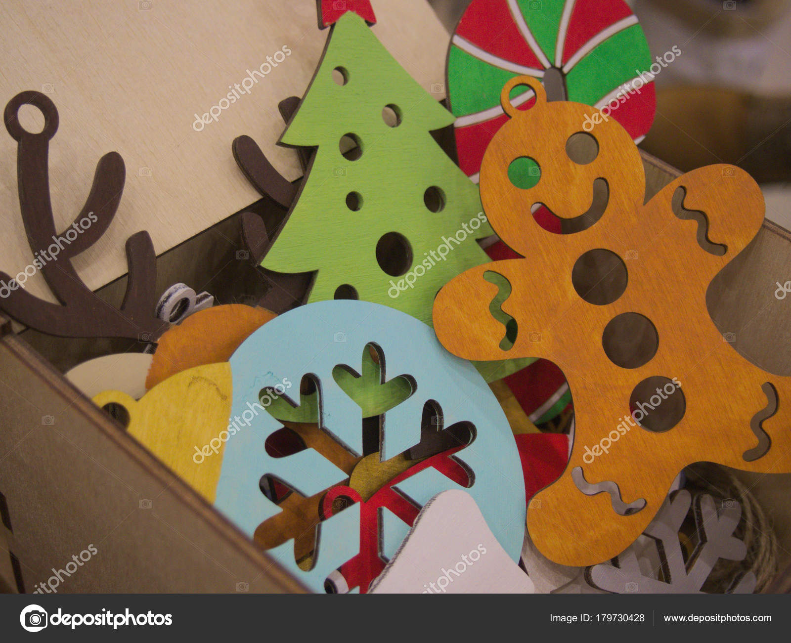 Painted Wooden Gingerbread Man Snowflake Flat Figurine Christmas