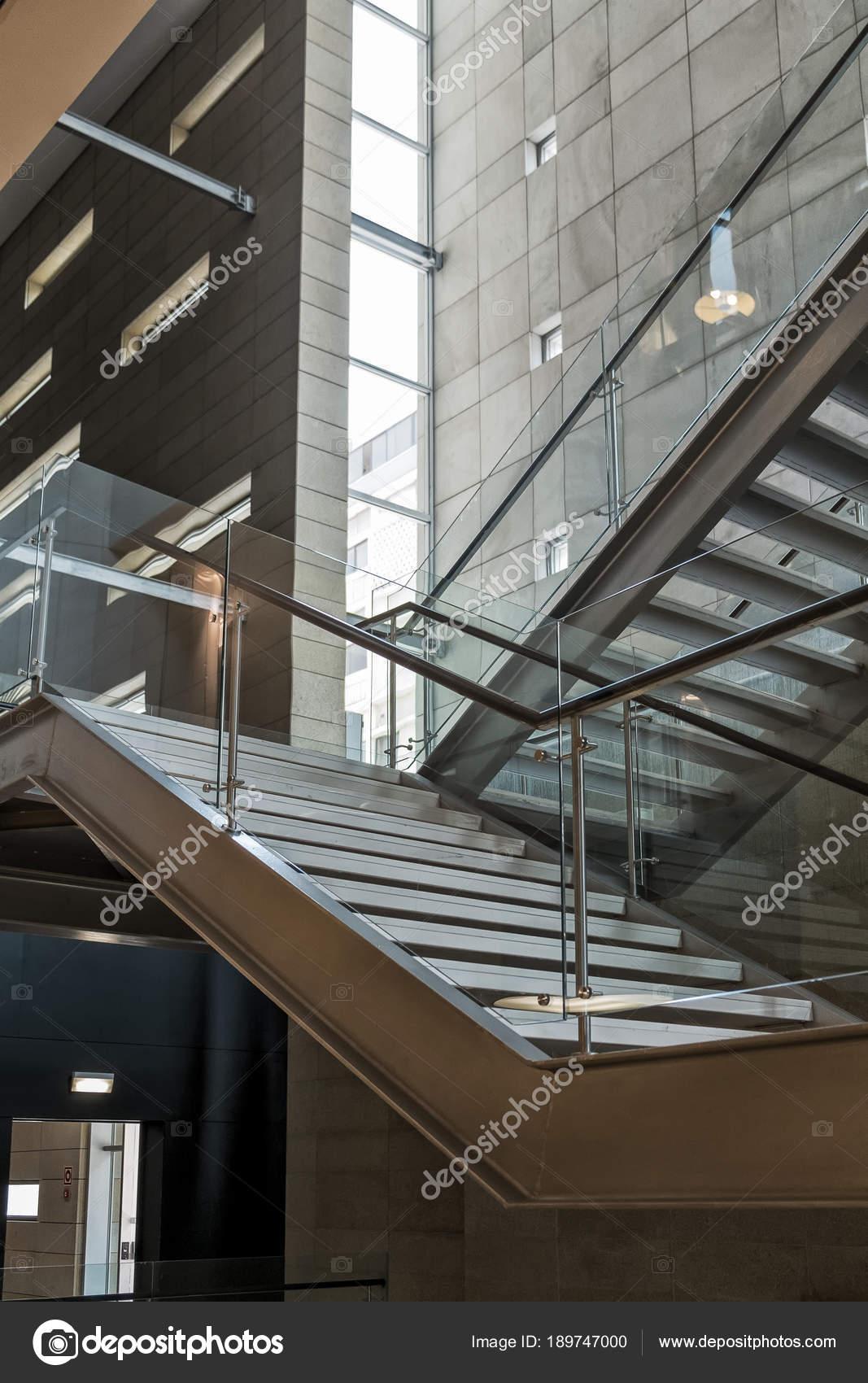 Escadas Com Estrutura Metálica Fotografias De Stock Silvapinto