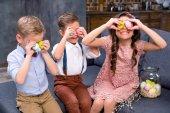 Fotografie Kinder mit Ostereiern