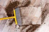 Koště zametání podlahy