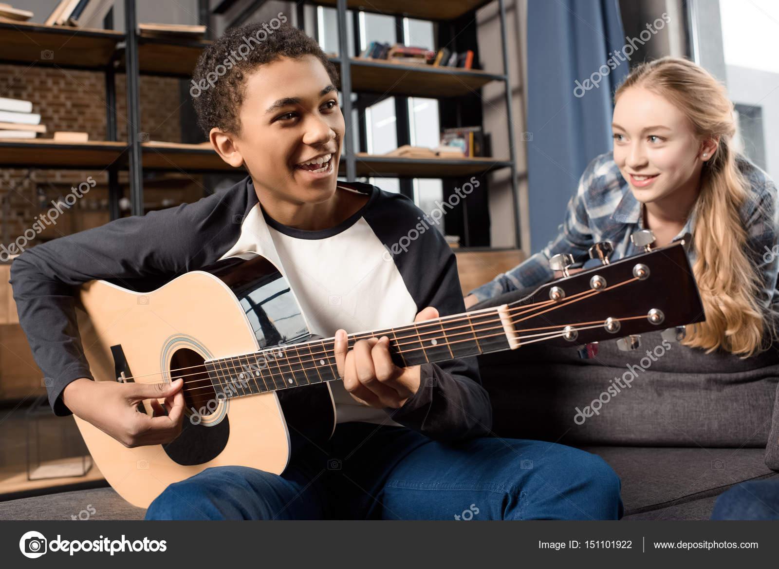 guitare acoustique ecoute