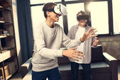 Fotografie Jungs in virtual-Reality-headsets
