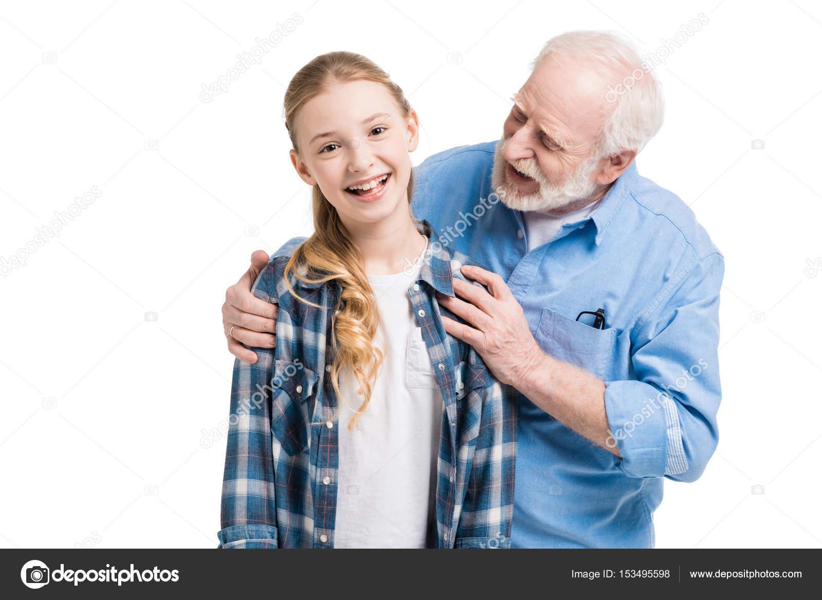 Ласкаются внучка и дед
