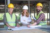 Bauunternehmer mittleren Alters