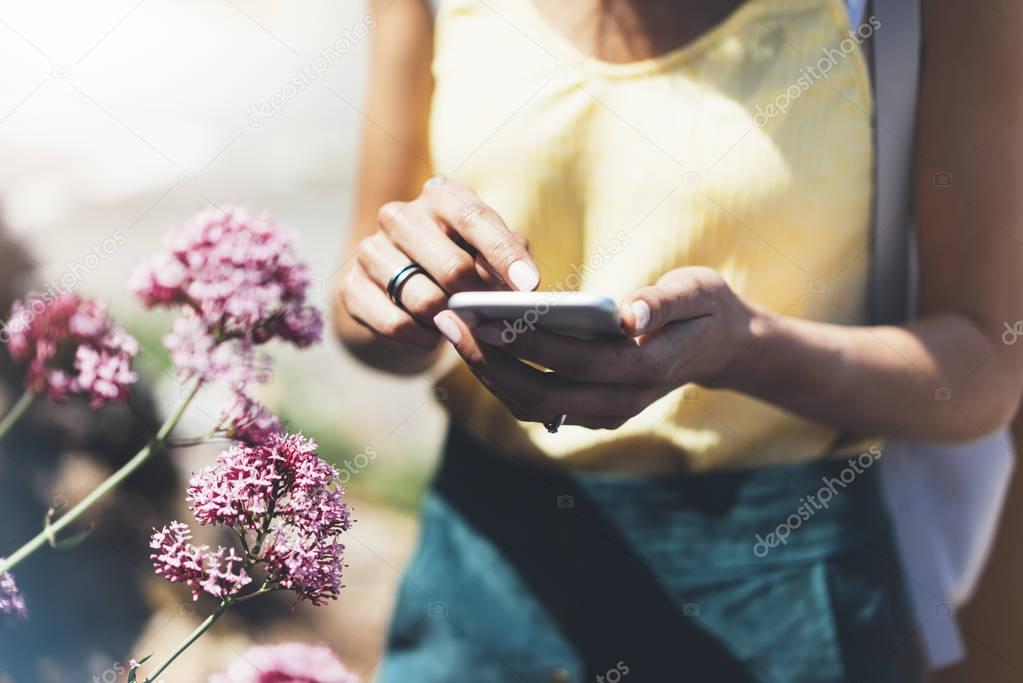 Hipster text message on smart phone