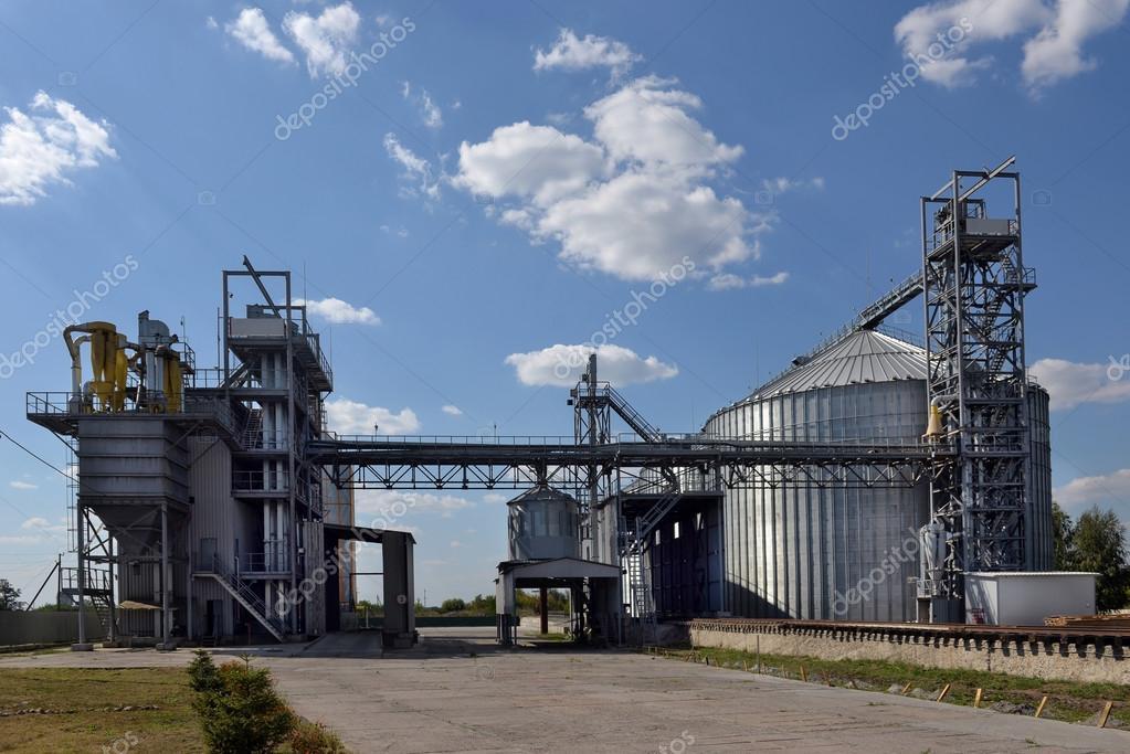 Silo agricole b timent ext rieur de stockage et de for Batiment de stockage agricole