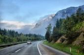 Strada della strada in montagna