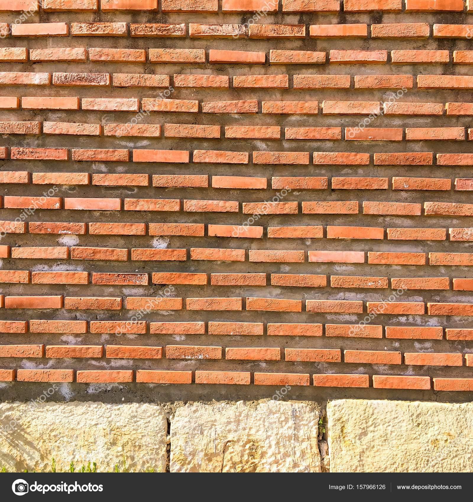 Pareti in mattoni per interni cheap incredibile di parete in mattoni finti una mansarda - Mattoni per muro esterno ...