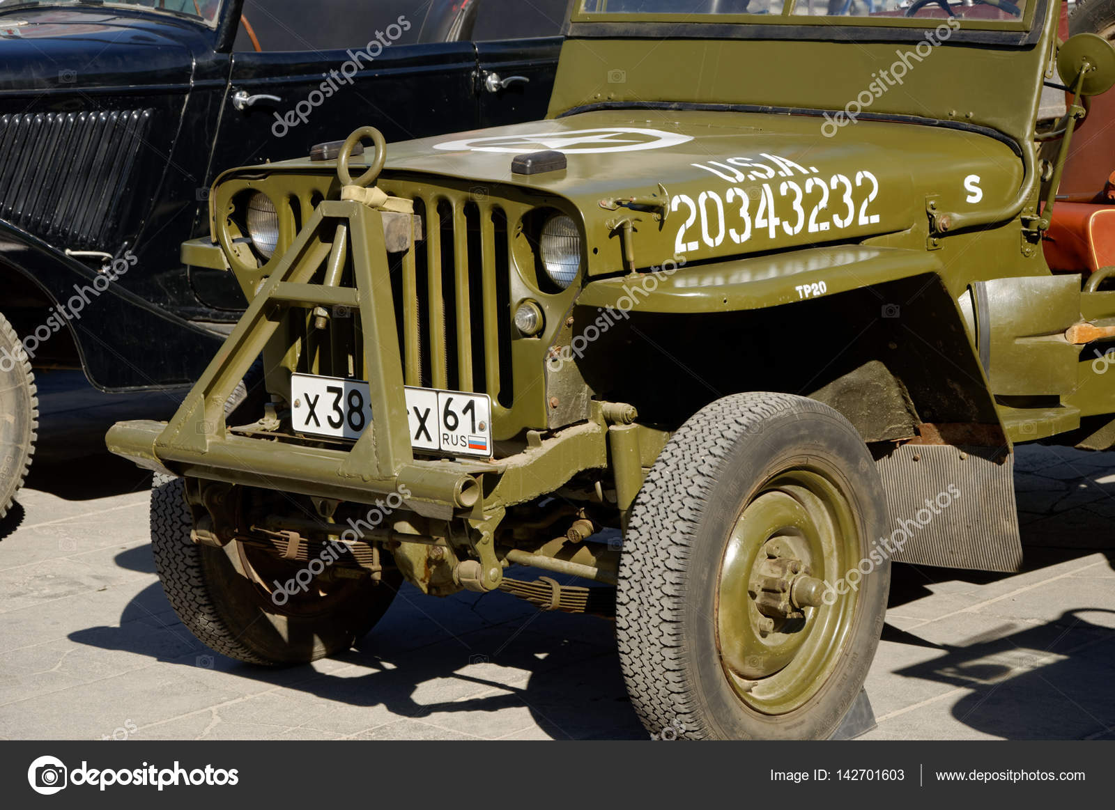 American SUV Willys MB on the exhibition of old military cars ...