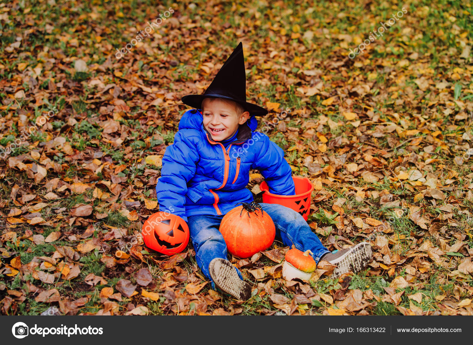 Little Boy Get Ready For Halloween Party U2014 Stock Photo