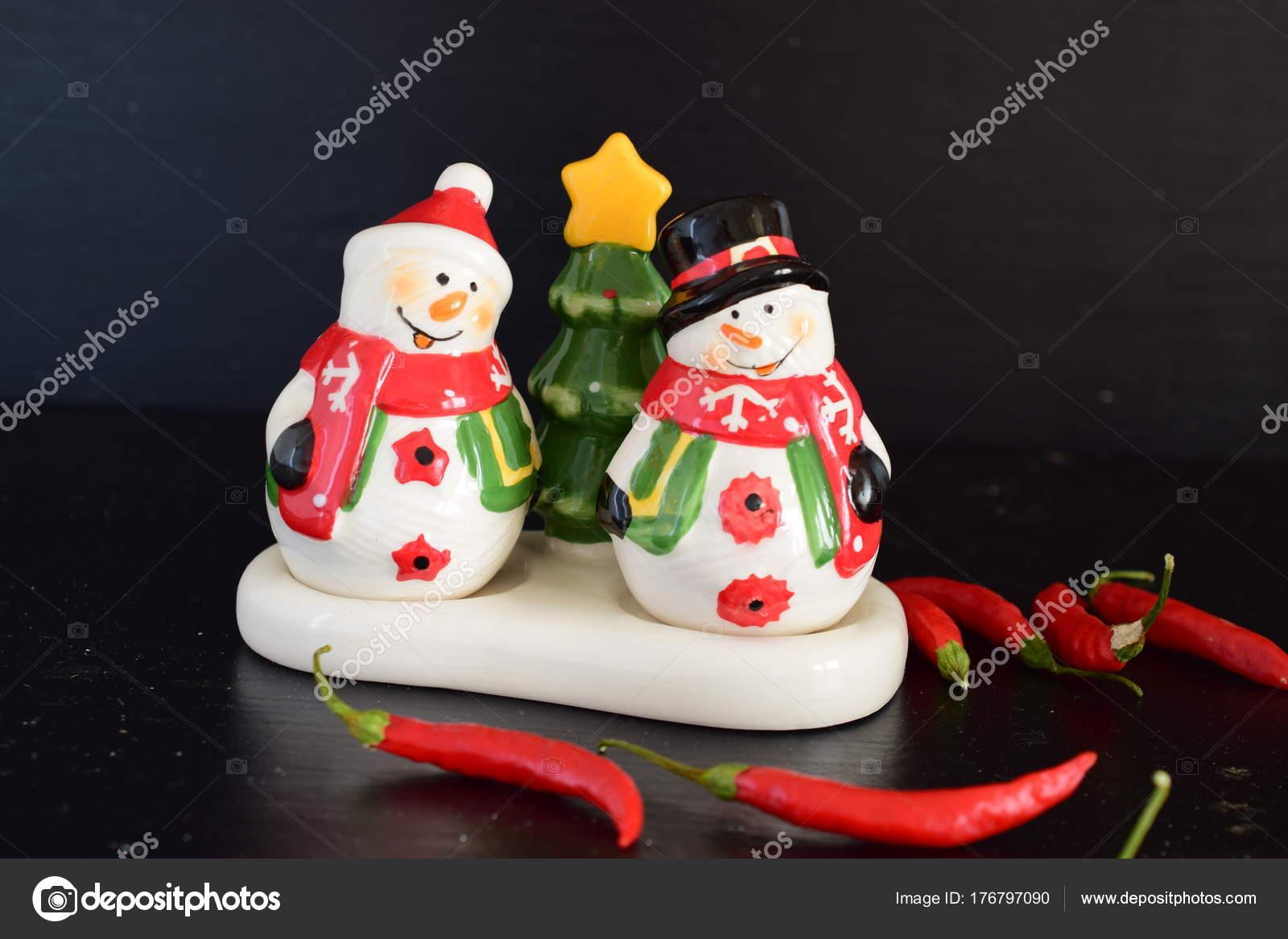 Herr und Frau Snow Mann Salz-und Pfefferstreuer — Stockfoto © Bvlena ...