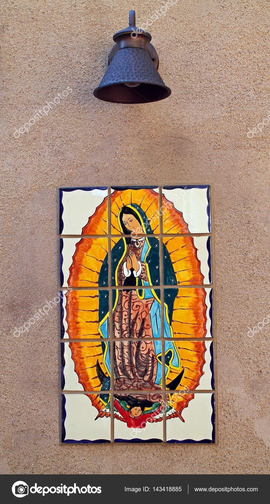 Bunte Fliesen Der Jungfrau Maria Muttergottes Auf Eine Kleine Mexi - Kleine bunte fliesen