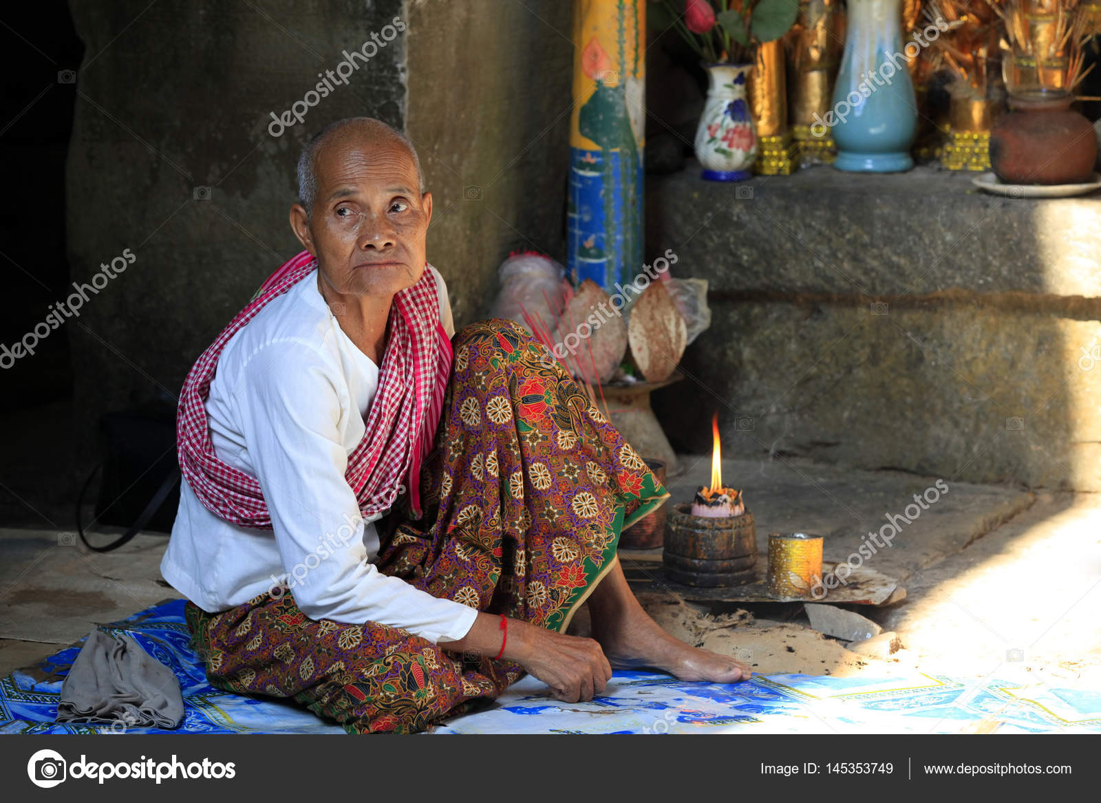 Old Wrinkled Traditional Asian Woman Praying Stock Editorial Photo