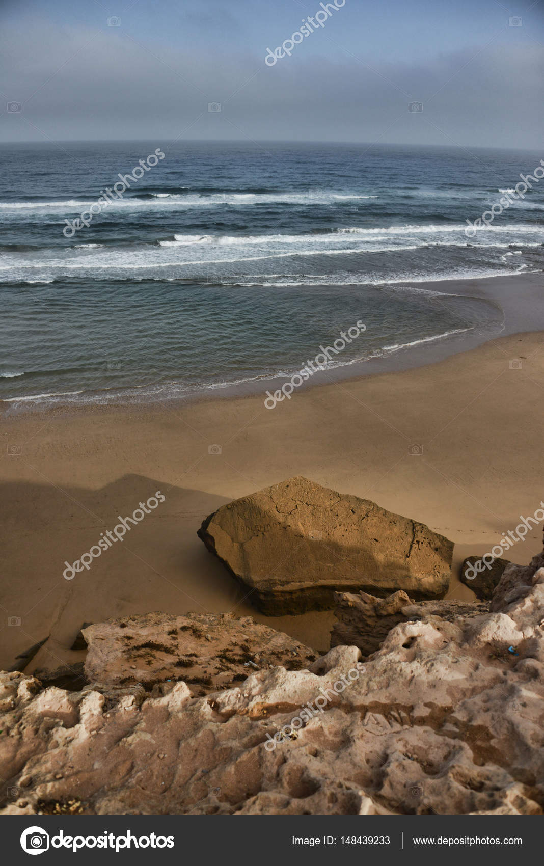 Küste Band verbindet die Berge und das Meer — Stockfoto © anzher ...