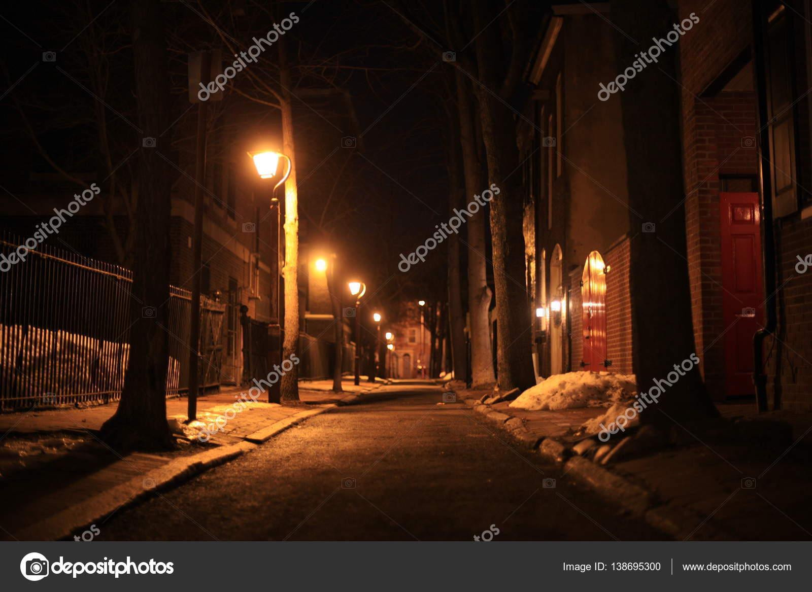 Lampadaires De Ville Nuit Hiver Photographie Tiden C 138695300