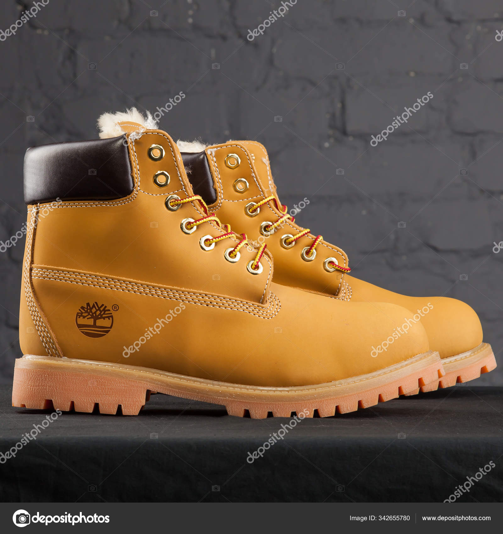 Maestro Convención Hermano  New Beautiful Colorful Nice Timberland Tracking Shoes Sneakers Trainers  Shows – Stock Editorial Photo © sozon #342655780
