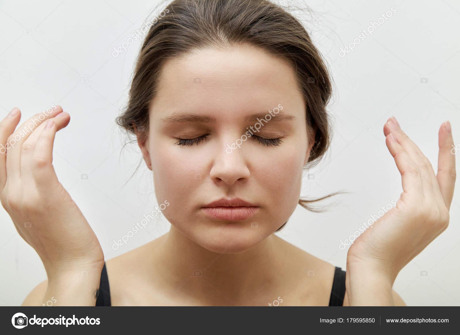 Массаж для лица для молодых девушек эротический массаж выезд санкт петербург