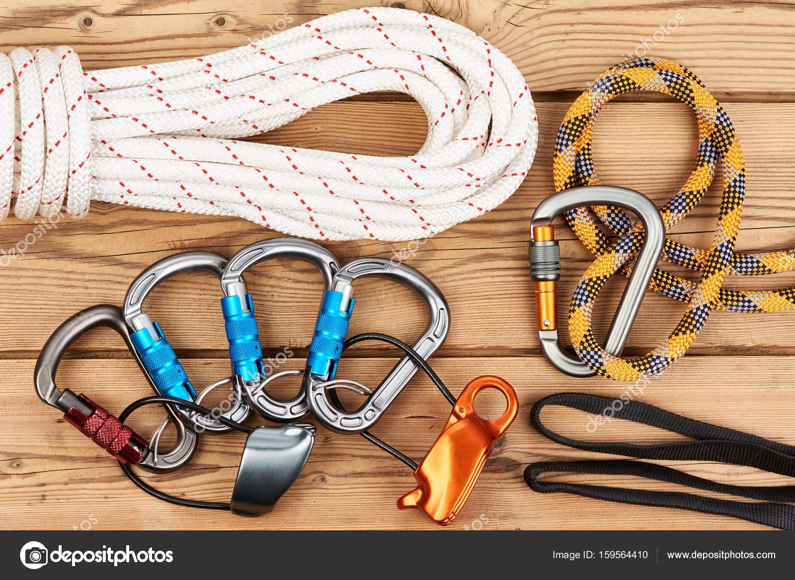 Kletterausrüstung In Der Nähe : Klettern ausrüstung mountaineering u stockfoto tom